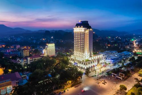 Trung tâm thương mại và khách sạn Vincom Plaza, Lạng Sơn.
