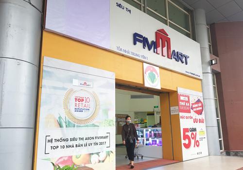 Các siêu thị Fivimart tại thời điểm đầu tháng 10/2018 đã gỡ logo AEON để chuẩn bị thay đổi theo nhận diện thương hiệu Vinmart. Ảnh:MS