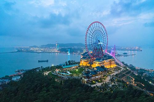 Hạ Long dần hình thành hệ thống dịch vụ du lịch - nghỉ dưỡng - giải trí hoàn chỉnh.