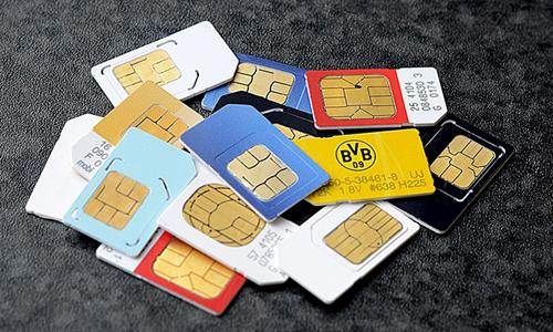 Người dùng vẫn dễ dàng mua SIM rác được kích hoạt sẵn trên thị trường.