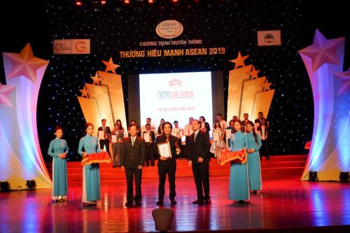 Nệm Sài Thành đạt giải Top 50 thương hiệu mạnh ASEAN 2019 - 1