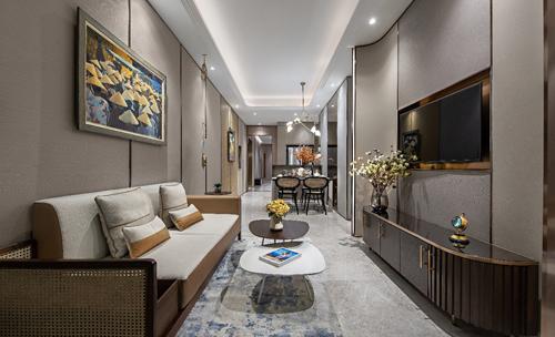 Căn hộ mẫu hai phòng ngủ là sự kết hợp thông minh của tông màu nhẹ nhàng, trang nhã và những vật liệu bản địa. Cảm hứng thiết kế chủ đạo của căn hộ này là tôn vinh nghệ thuật truyền thống. Một số chi tiết như đồ nội thất đan bằng mây và các tác phẩm nghệ thuật có nguồn gốc địa phương là những điểm nhấn mang dấu ấn văn hóa Việt Nam trong thiết kế nội thất của căn hộ.