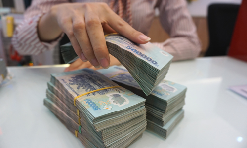 Sắp siết tín dụng cho phân khúc bất động sản cao cấp - Ảnh 1