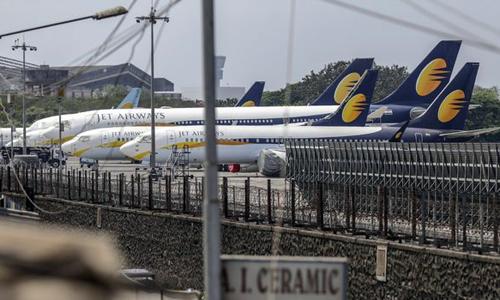 jetairways500 7093 1555578767 - Hãng bay hàng đầu Ấn Độ dừng cất cánh vì hết tiền