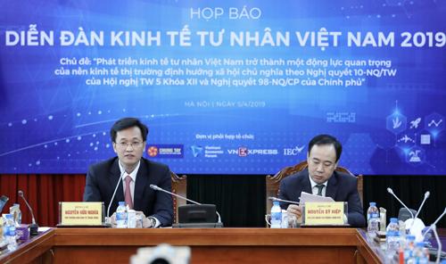 Họp báo Diễn đàn kinh tế tư nhân Việt Nam 2019.