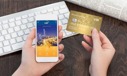 Rewards Unlimited 2 2 7877 1555931688 - Ngân hàng tăng phát hành thẻ, thêm tiện ích cho người dùng