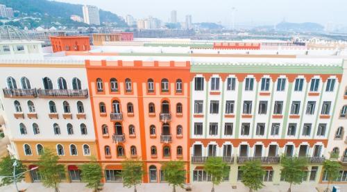 Thiết kế đa sắc màu tại khu phố thương mại Sun Premier Village Ha Long Bay - 3