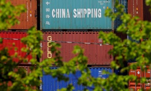 Các container hàng Trung Quốc đặt tại một cảng ở Boston, Massachusetts (Mỹ). Ảnh: Reuters