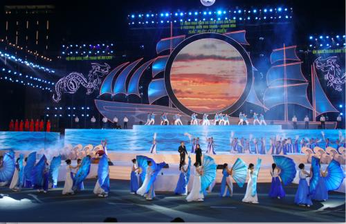 Gian triển lãm của Phú Long hút khách tham quan tại Festival biển Nha Trang - ảnh 1