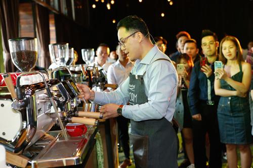 Chức năng dry steam sẽ làm cho ly capuchino không có nước trong sữa, giúp ly cafe ngon chuẩn mực.