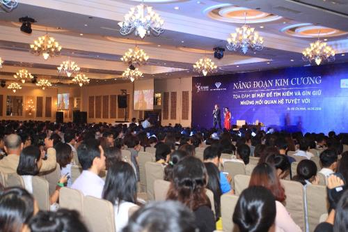 Nhà sáng lập Năng Đoạn Kim Cương Michael Roach đến Việt Nam chia sẻ về mối quan hệ trong kinh doanh