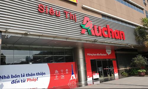 Bên ngoài siêu thị Auchan tại Hà Đông, Hà Nội. Ảnh:Anh Minh