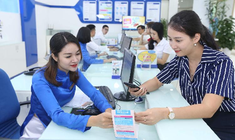 Hơn 424.000 thuê bao đăng ký chuyển mạng trong 6 tháng - Kinh Doanh