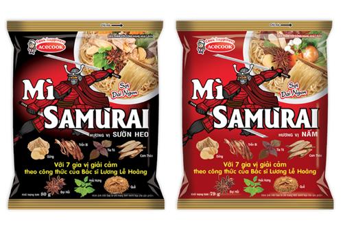 Mì không chiên ăn liền Samưrai gồm hai hương vị Sườn heo và hương vị Nấm.