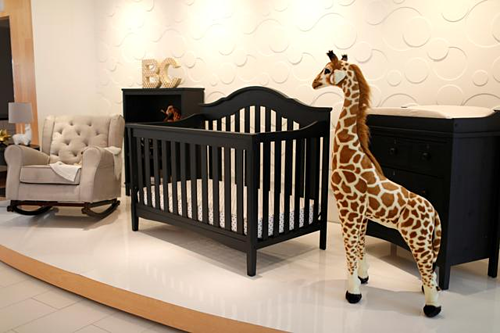 Đồ nội thất trong showroom của Delta Children. Ảnh: Reuters