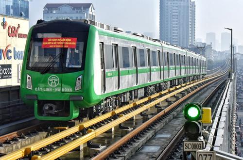 Tuyến đường sắt Cát Linh - Hà Đông trong giai đoạn chạy thử. Ảnh: Giang Huy.