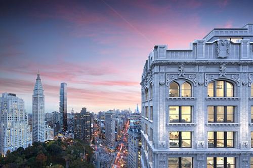 Một góc bên ngoài căn  penthouse mà tỷ phú Jeff Bezos vừa mua. Ảnh: WSJ
