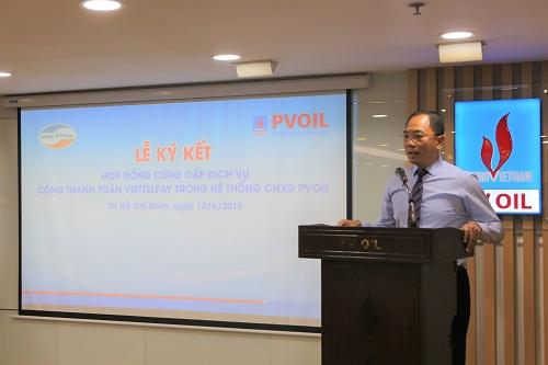 Đại diện PVOIL tại lễ ký kết hợp tác với Viettel.