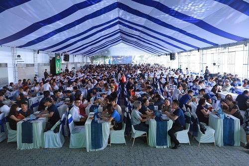 Theo đại diện Tập đoàn bất động sản, ngay trong ngày đầu tiên đã có khoảng 3.000 lượt khách hàng và nhà đầu tư đến tham quan sự kiện.