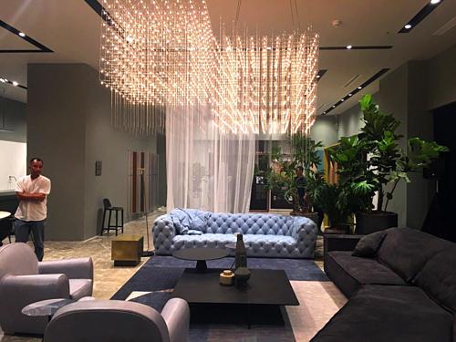 Các sản phẩm nội thất Italy được trưng bày tại Hà Nội. Ảnh: Viễn Thông