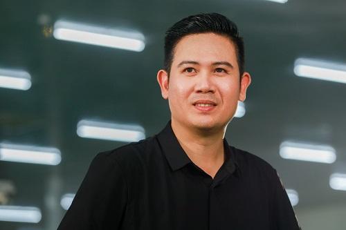CEO Phạm Văn Tam.