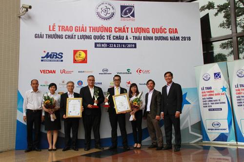 Tập thể C.P.Việt Nam tham dự nhận hai giải thưởng VNQA - 2018