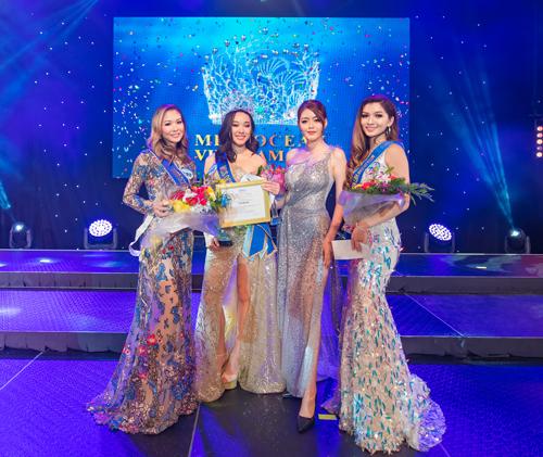 Ngoài danh hiệu Hoa hậu, danh hiệu Á hậu một được trao cho thí sinh Võ Hoàng Anh Thi sinh năm 1999 cao 1,75m, số đo 85-62-93. Á hậu 2 thuộc về thí sinh Thủy Hồ cao 1,72m với số đo 84-61-92.