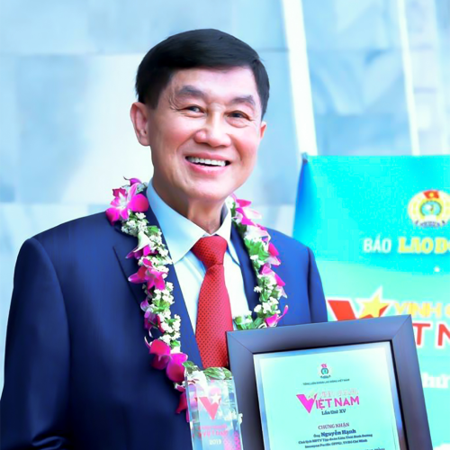 Chủ tịch IPPG nhận giải thưởng Vinh quang Việt Nam - 2