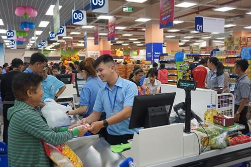 Trải nghiệm mua sắm tại Co.opmart mang lại nhiều tiện lợi cho khách hàng thân thiết.