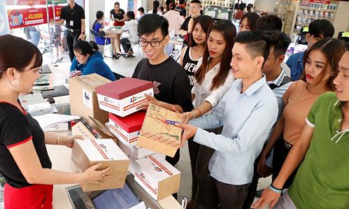 Website bán hàng quốc tế của FPT Shop thu 5 tỷ đồng sau 24 giờ