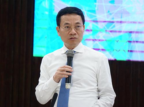 Bộ trưởng Bộ Thông tin Truyền thông Nguyễn Mạnh Hùng tại buổi gặp gỡ chiều 15/7. Ảnh: Viễn Thông