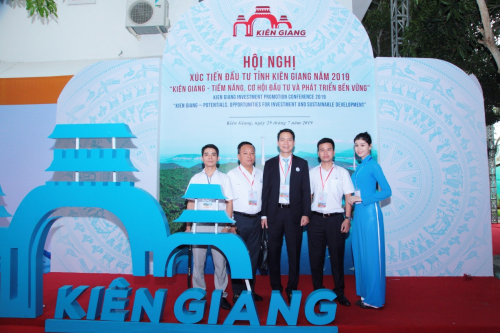 Đoàn đại biểu Hasco Group tham dự hội nghị hasco group nhận quyết định đầu tư dự án bất động sản tại phú quốc - 1577021847-w500-6239-1564395898 - Hasco Group nhận quyết định đầu tư dự án bất động sản tại Phú Quốc