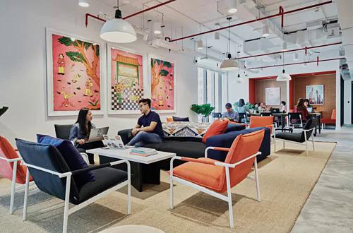 Doanh nghiệp khởi nghiệp làm việc tại một văn phòng chia sẻ ở TP HCM.
