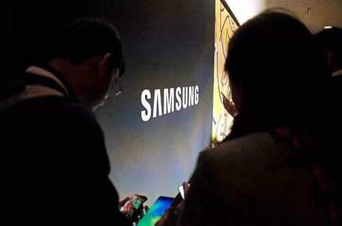 Lợi nhuận Samsung giảm một nửa trong quý II - Ảnh 1