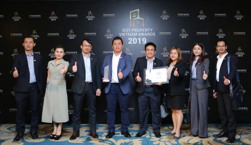 DKRA Vietnam lập cú hat-trick giải thưởng  - 1