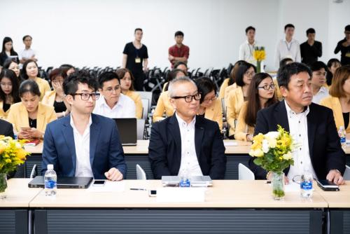 Buổi quay số may mắn lần thứ nhất diễn ra tại trụ sở Công ty Acecook Việt Nam vào ngày 10/7.