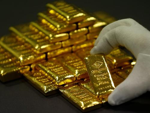 Vàng thỏi tại một nhà máy ở Vienna (Áo). Ảnh: Reuters