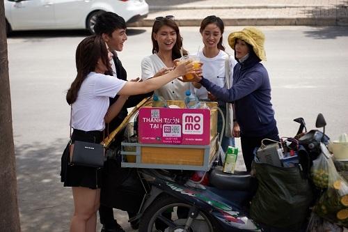 MoMo có thể tìm thấy từ các hàng quán bình dân đến các dịch vụ hiện đại, sang trọng.