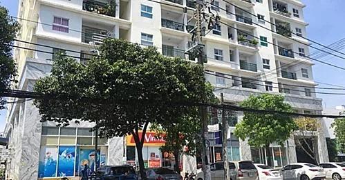 Một chung cư tại TP HCM từng bị ngân hàng dọa siết nợ đầu năm 2019.