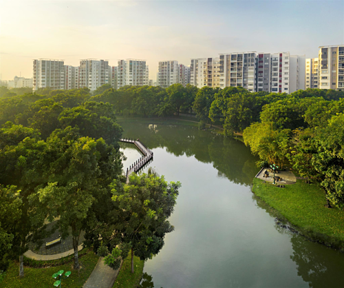 Không gian nhiều cây xanh, mặt nước tại Celadon City.