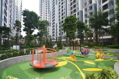 Không gian phủ đầy cây xanh tại dự án Imperia Sky Garden - ảnh 2