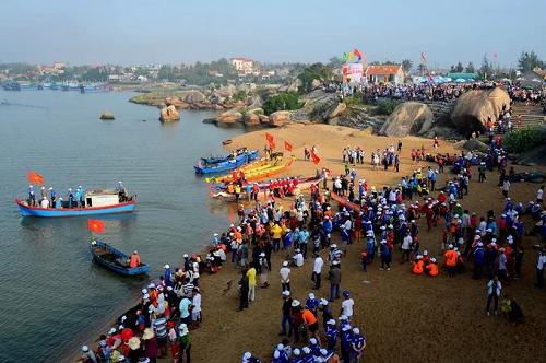 : Lễ hội truyền thống sông nước tại Phú Yên thu hút khách du lịch