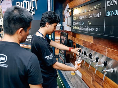 Mỗi vòi bia tương ứng một loại bia thủ công khác nhau.