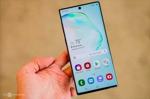 Điện thoại Galaxy Note 10 của Samsung mới ra mắt tháng 8. Ảnh: Tuấn Anh