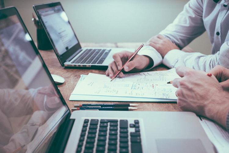 Việc tái đầu tư sẽ giúp khách hàng tránh rủi ro trong thời gian đợi hoàn thành hồ sơ EB-5.
