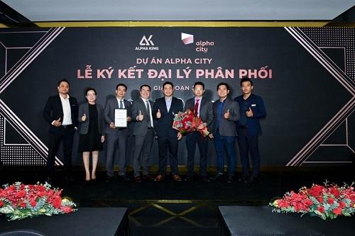 Lễ ký kết hợp tác phân phối dự án Alpha Hill với sự góp mặt của 3 đơn vị phân phối bất động sản danh tiếng hàng đầu là MGI Global, The One Land và SmartRealtors & Partners.