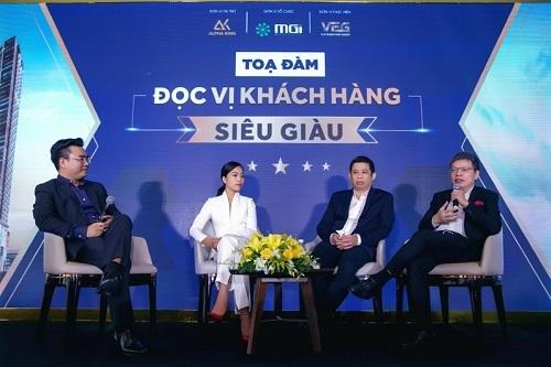Các diễn giả chia sẻ về chủ đề Bí quyết đọc vị khách hàng siêu giàu tại hội thảo do MGI Global tổ chức.