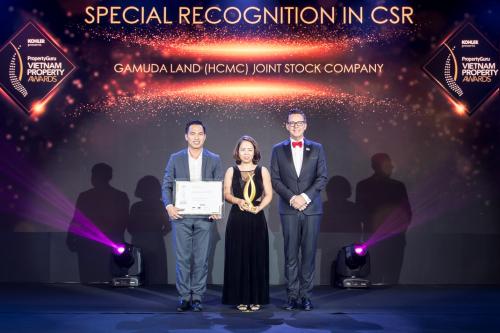 Đại diện Gamuda Land nhận Chứng nhận đặc biệt về Trách nhiệm xã hội của doanh nghiệp với chương trình Run for the Heart