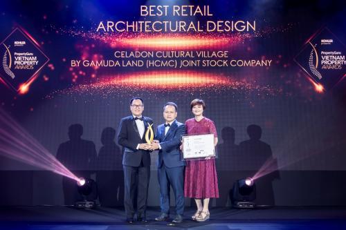 Đại diện Celadon City nhận giải thiết kế kiến trúc khu bán lẻ tốt nhất.