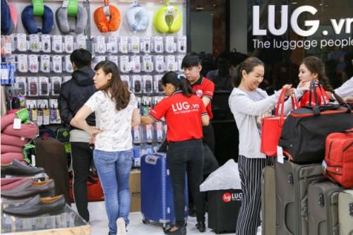 LUG còn phân phối các sản phẩm phụ kiện du lịch.